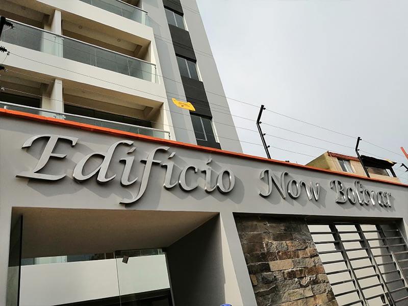 letrero-en-acero-inoxidable-edificio-new-bolivar-2